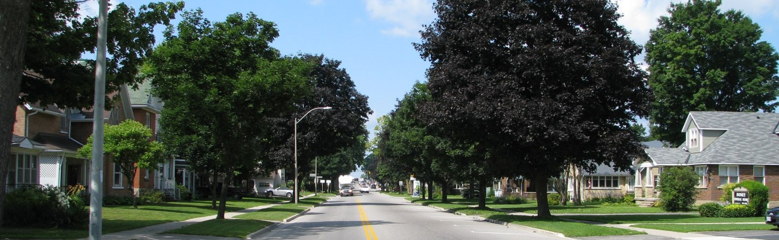 Neighborhood on Owen Sound Street in Shelburne Ontario